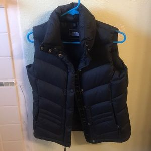 Women's Northface Puffy Vest (small)